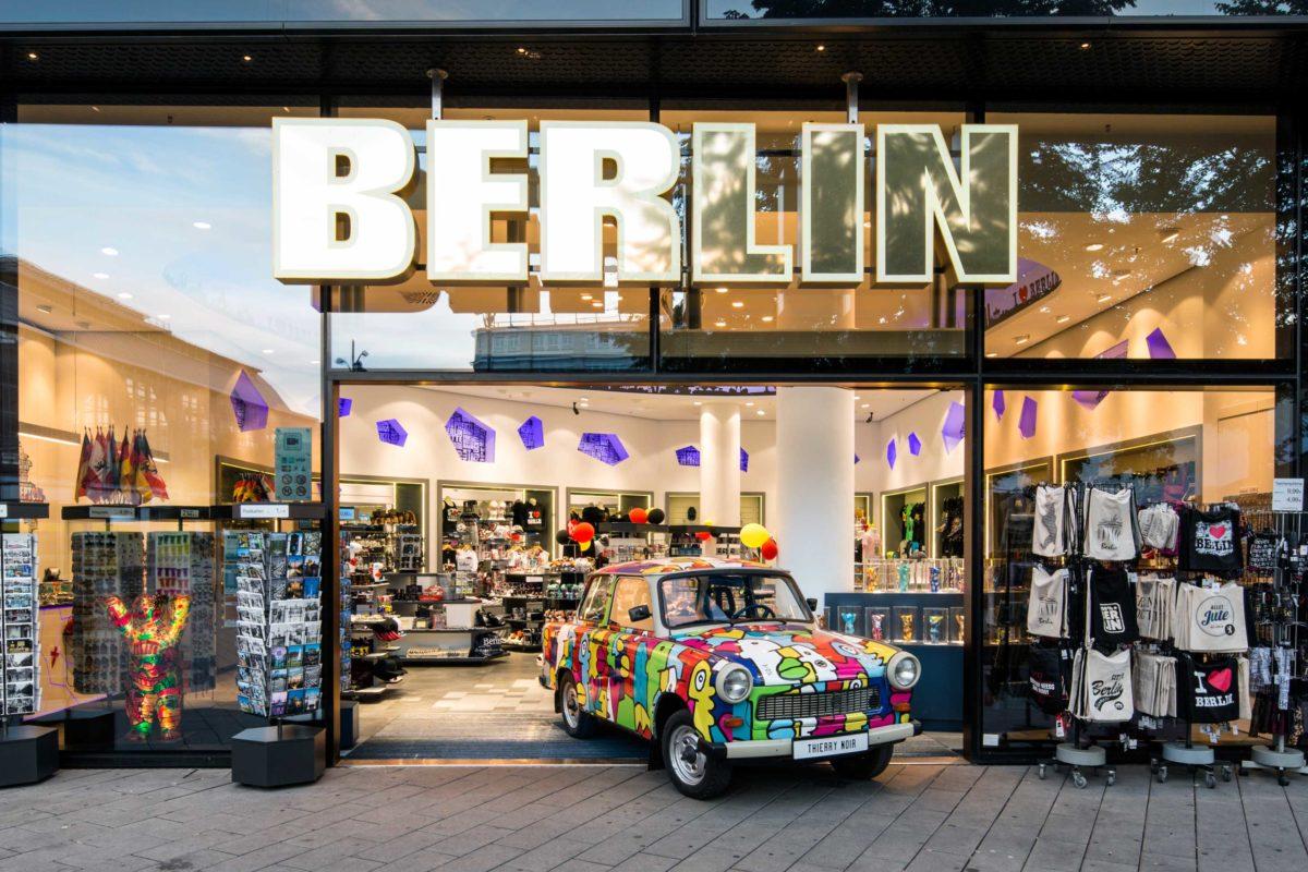 berlin flagship store alexanderplatz souvenir gro und einzelhandel muddastadt berlin. Black Bedroom Furniture Sets. Home Design Ideas
