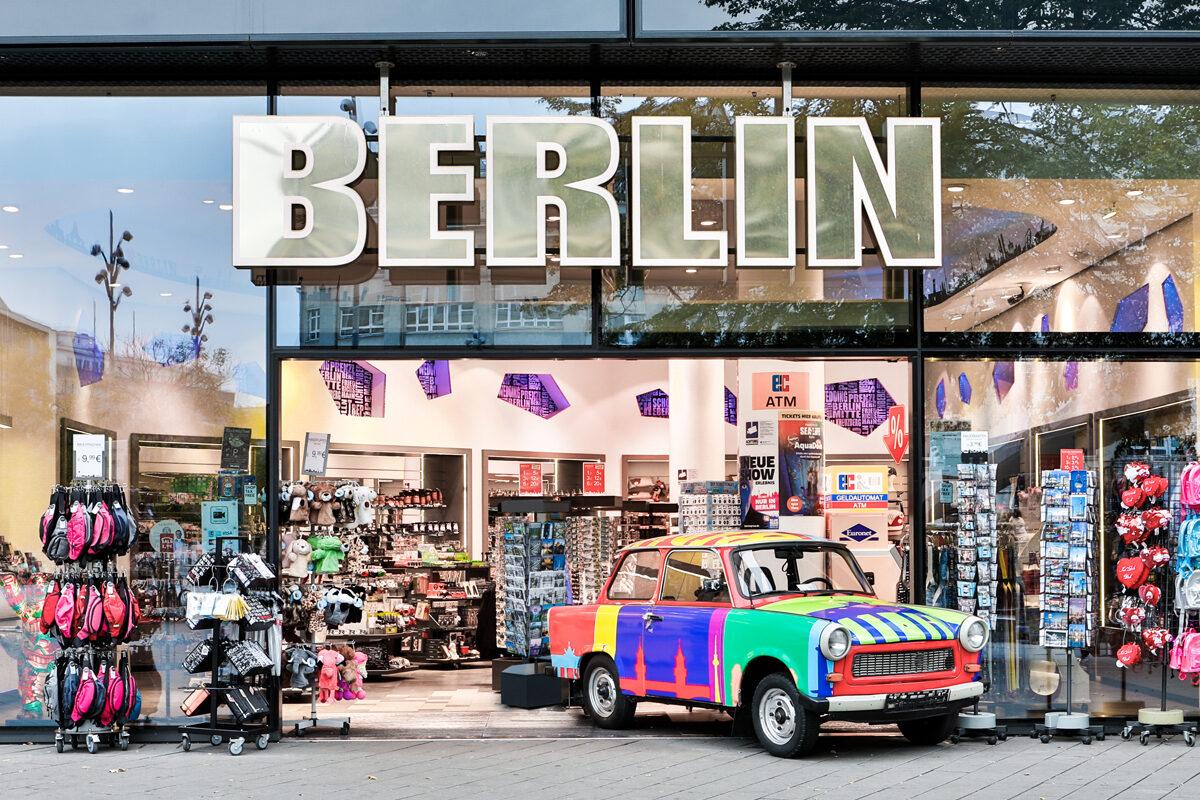 Berlin Flagship-Store ALEXANDERPLATZ - Souvenir Groß- und